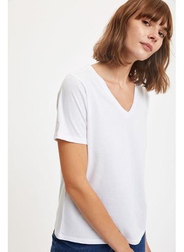 DeFacto V Yaka Regular Fit Basic Kısa Kollu Tişört Beyaz